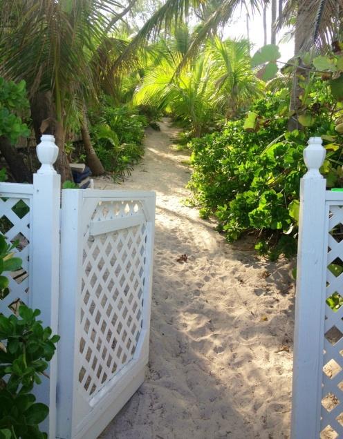 India Hick's Island Home